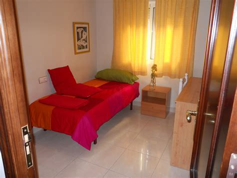 rent a room for a day room for rent by malaga per day week month stay room for rent malaga