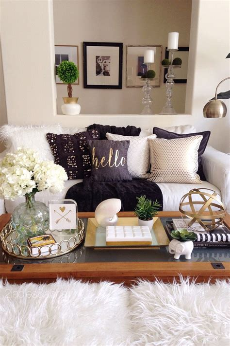 Decorating Pillows On by 1000 Ideas About Accent Pillows On Interior