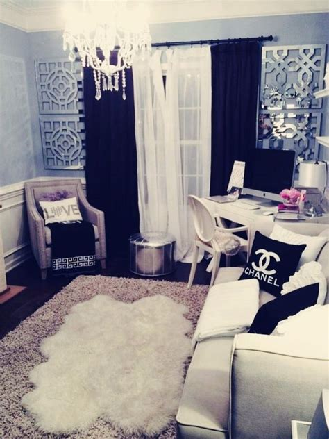 Chanel Bedroom by Best 25 Chanel Room Ideas On Chanel Decor Vanity And Room