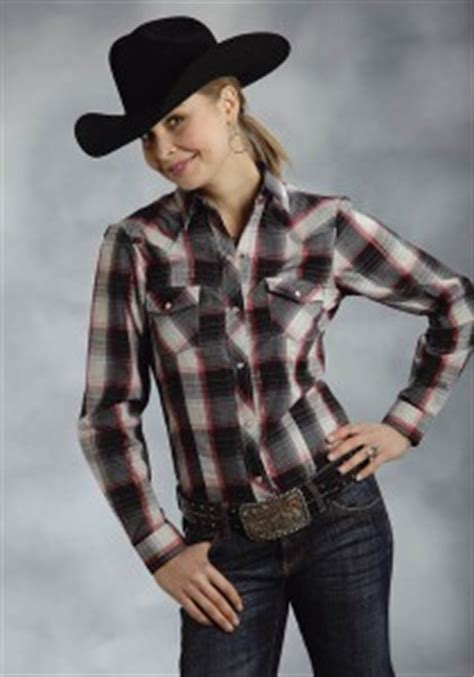 what to wear to a rodeo – 5 essential cowgirl pieces