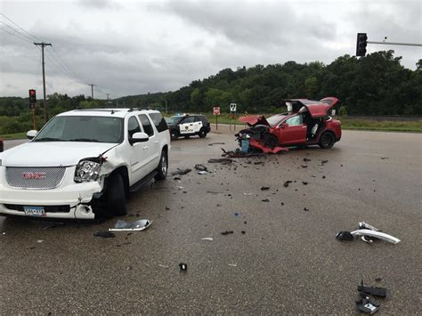 Tesla Airbags Tesla Model X Struck By Gmc Yukon All 6 Tesla Occupants