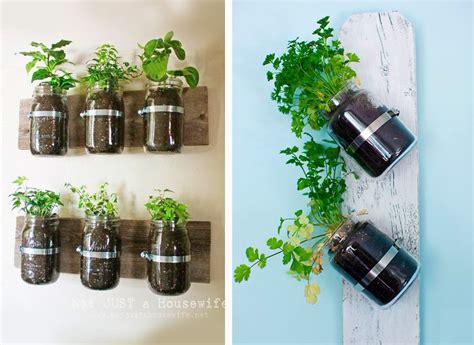erbe aromatiche in vaso organizzare le erbe aromatiche in casa 20 idee cui