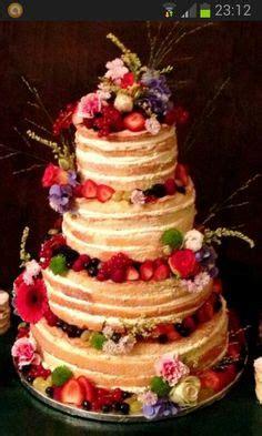 Hochzeitstorte Nuss by Schokoladen Nuss Hochzeitstorte Mit Rosafarbenen Blumen