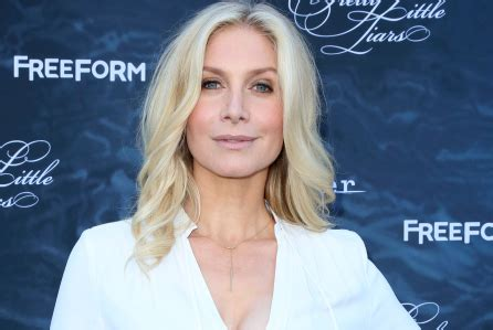 'the expanse' taps 'lost' alum elizabeth mitchell for