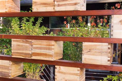 Vertical Garden Screen Hanging Garden And Privacy Screen Garden Design