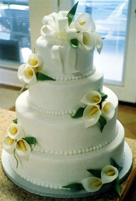 Best 25  Calla lily cake ideas on Pinterest   Lily cake