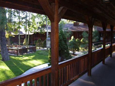 veiw picture of shadow mountain lodge and cabins