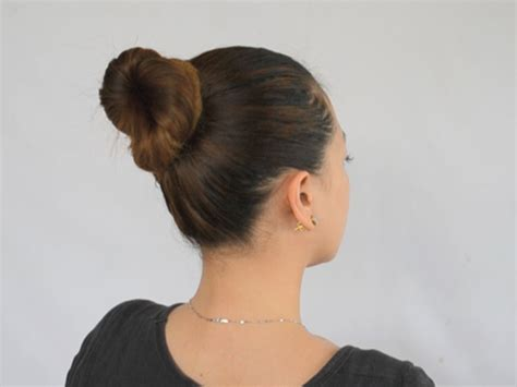 in bun how to make a simple bun in hair 9 easy steps wikihow