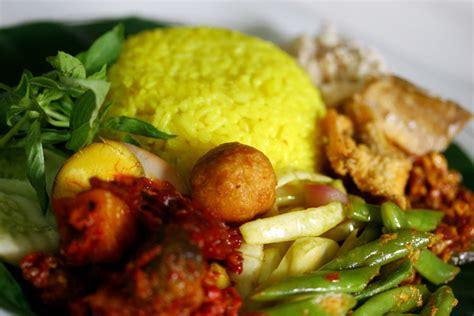 cara membuat nasi kerabu kuning resep cara membuat nasi kuning spesial lezat resep cara