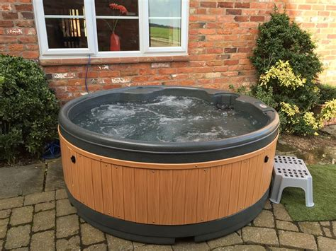 Cottage Tub Uk by Tub Hire For Cottages And Lets