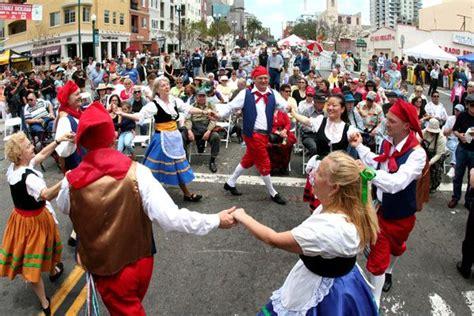 tarantella is a italian folk dance it is a very fast and