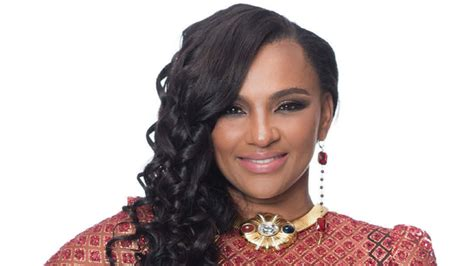 taras curly hairstyles from love and hip hype chat love hip hop star tara wallace is steering