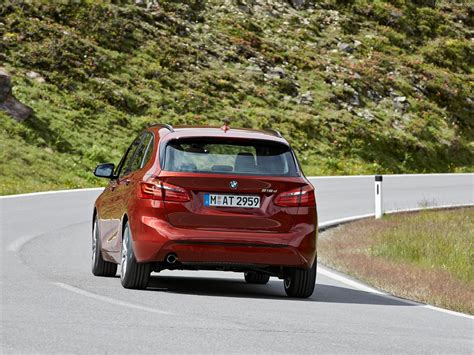 BMW 2 Series Active Tourer (2015)   picture 139 of 225