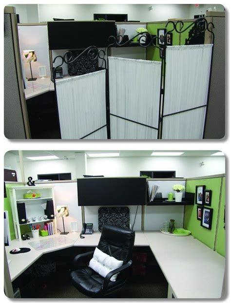cubicle desk decor 38 best images about cubicle decor my desk on pinterest