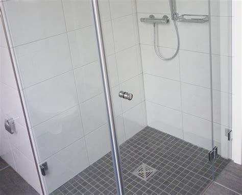 duschtrennwand badewanne glas fishzero duschtrennwand glas verschiedene design