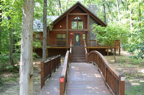 Broken Bow Lake Cabins by