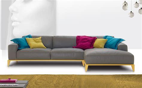 divani e divani triggiano la collezione di divani new design house
