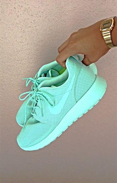 mint colored nikes nike shoes roshe shoes mint nike