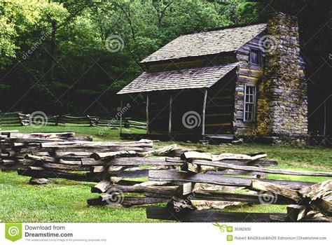 historic cabin at cades cove stock photo image 35382930