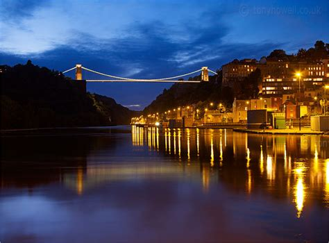clifton suspension bridge bristol night