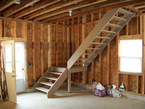 Apartments Above Garages Framing The Interior Of A New Home Building Pinterest