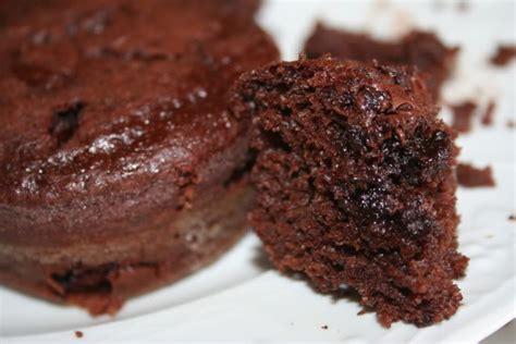 torta al cioccolato morbida all interno torta al cioccolato morbida e umida senza uova n 233 burro