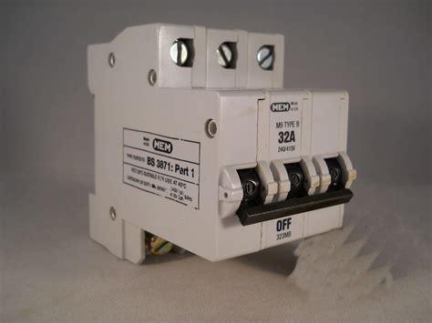 Mcb 32 A 3 Phase mem mcb 32 type b m9 pole 3 phase breaker 32a