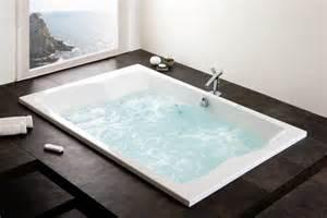 gastebad mit dusche grose badewanne mit duschkabine