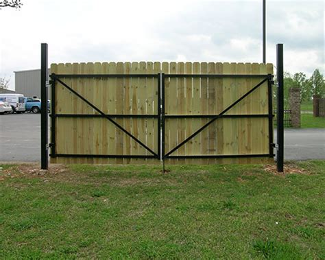 12 Foot Vinyl Gate by 12 Ft Dura Gate Standard Frame Kit Black Duragate
