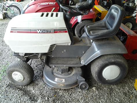 White Garden Tractor by White Lawn Tractor Snow Plow Pictures To Pin On Pinsdaddy
