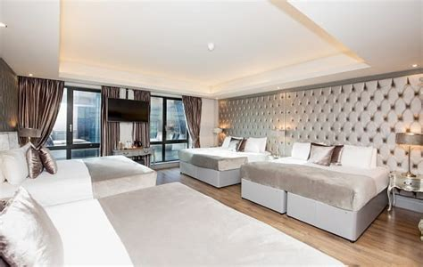 signature room reservations superb seasonal stays from the best hotels in liverpool