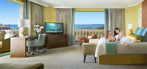 hotels with in room island best hotels in bahamas atlantis paradise island accommodations