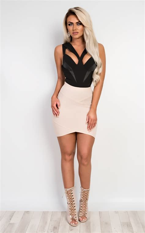 Sale Rok Mini Fitted Skirt S Stunning Fitted Bodycon Mini