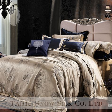 taihu snow yarn dyed luxury jacquard silk bedding set silk