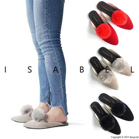 Sandal Jepit Spon Pompom Hitam sandal wanita sendal selop murah mules