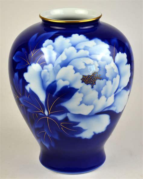 Vase Japan fukagawa china vase porcelain imperial of japan japanese peony flower blue ebay