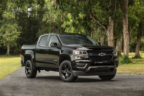 chevy colorado midnight edition 2016 chevrolet colorado midnight edition gm authority