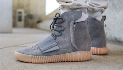 yeezy  grey gum  feet sole collector