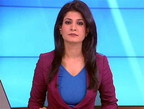 hottest female tv news anchors listoid top 20 cute hot sexy female news anchors in india