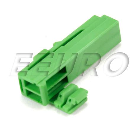 volvo electrical connectors 30682794 genuine volvo electrical connector housing 2