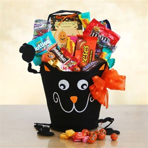halloween candy delivery halloween kitty of candy by amerigiftbaskets com