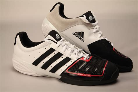 fencing shoes adidas d artagnan iv fencing shoes 2010