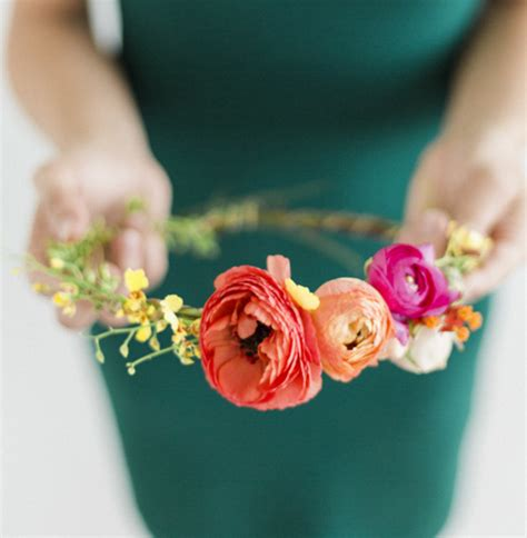 how to make fresh flower crowns 7 diy ideas