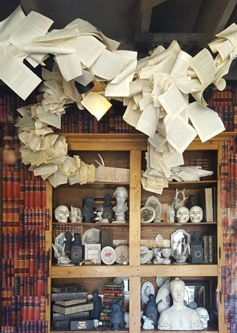 Haunted House Decor by 25 Best Ideas About Haunted Mansion Decor On