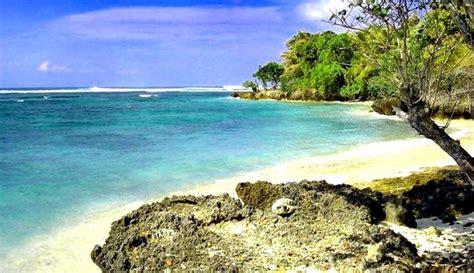 Pantai Plengkung Keindahan Memukau di Banyuwangi Jawa