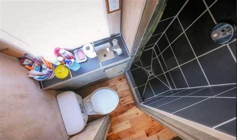 tiny house bathtubs tiny houses on pinterest tiny house bathroom tiny house and tiny house on wheels