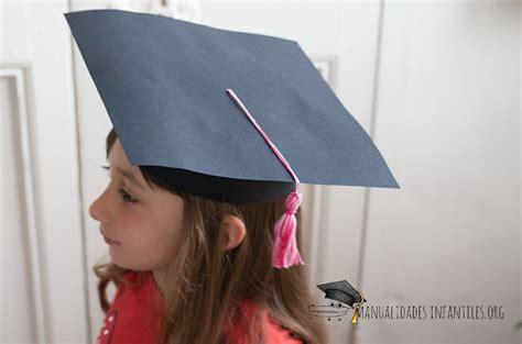 como hacer gorros de graduacion birretes de graduacion manualidades infantiles