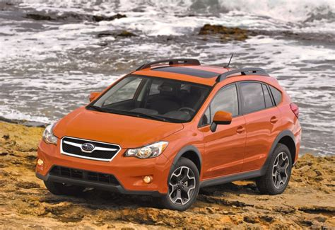 subaru crosstrek 2015 2015 subaru crosstrek gets more features refinement