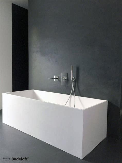 Moderne Badezimmer Bilder: Freistehende Mineralguss
