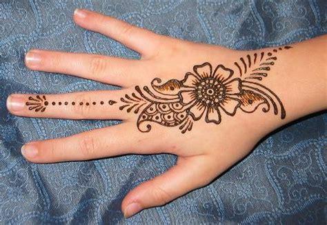 henna tattoo hand we heart it henna designs for arabic beginners